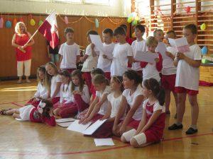Druháci přednáší básně
