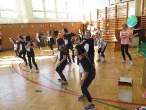 Třeťáci a jejich taneční kreace